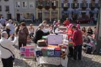 Mitstrickaktion auf dem Augustinerplatz